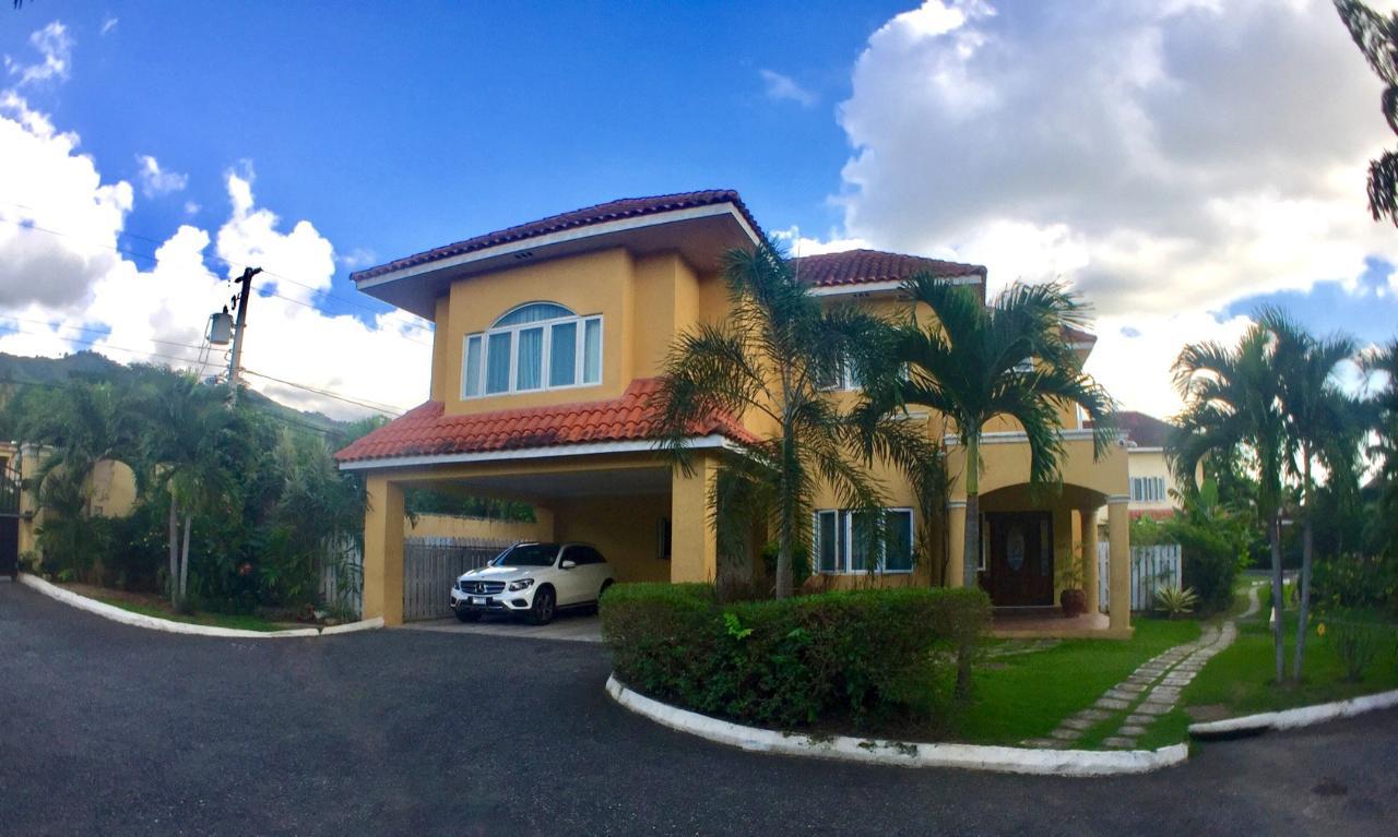 RE/MAX real estate, Jamaica, Kingston 6, FARRINGDON DRIVE Kingston & St. Andrew Kingston 6