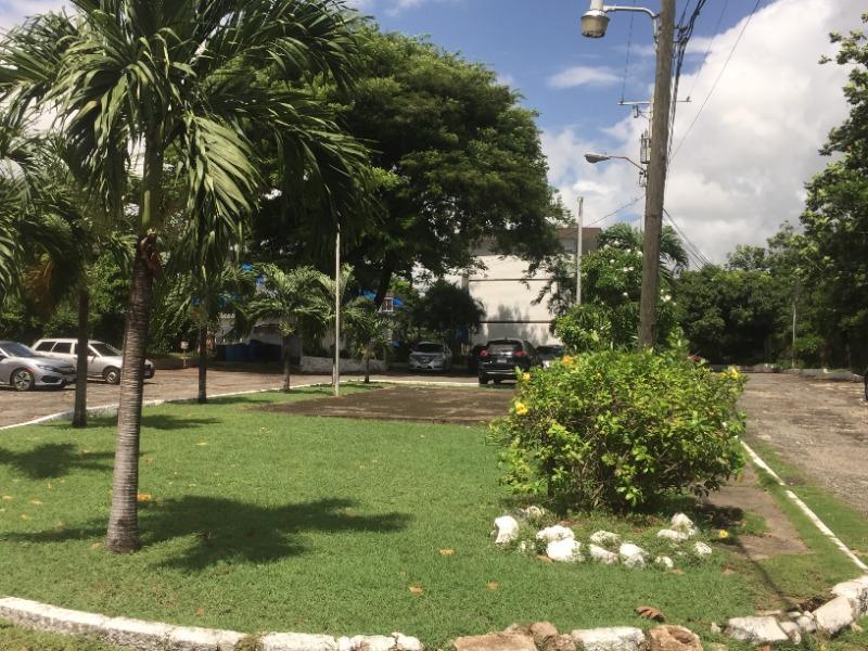 Kingston & St. Andrew, 600 sq ft, Kingston 8 image - 2
