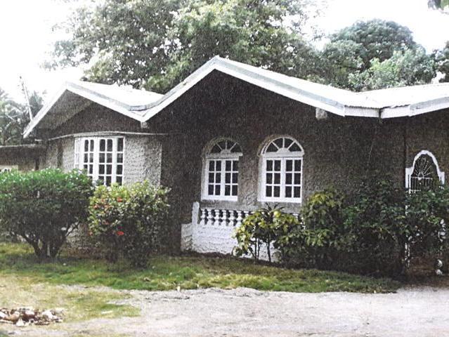 House In Kingston Sale