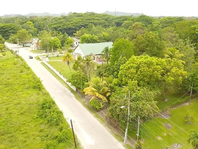 Westmoreland, Petersfield image - 6