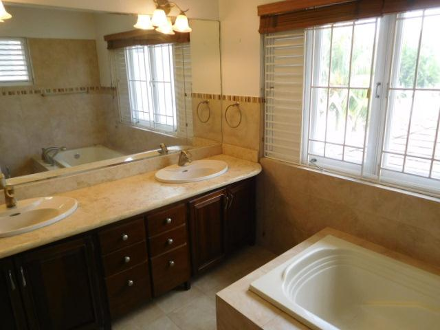 RE/MAX real estate, Jamaica, Kingston 8, DURIE DRIVE Kingston & St. Andrew Kingston 8