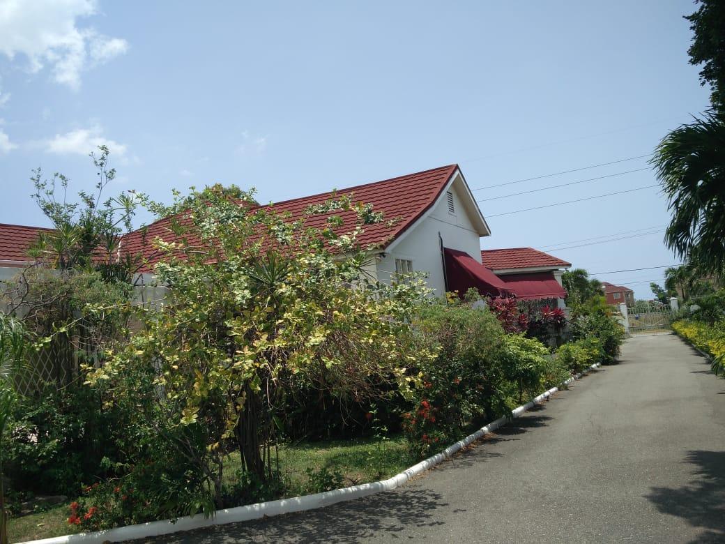Kingston & St. Andrew, Kingston 10 image - 3