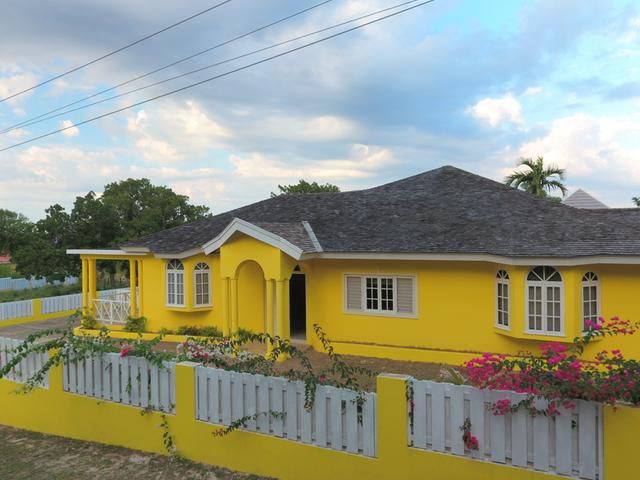 497916b1142 CENTURY 21 Heave-Ho Properties